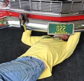 Maintenance mat with car
